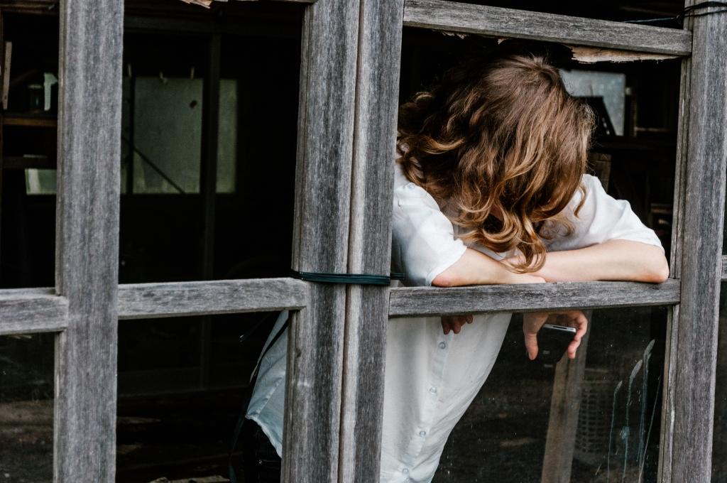 의존성 성격장애 [ Dependent Personality Disorder ]의 연애 패턴은 매우 의존적인 모습을 보이게 된다.